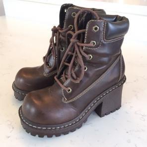 51fc33e02467 Shop New and Pre-owned Vintage Platform Shoes