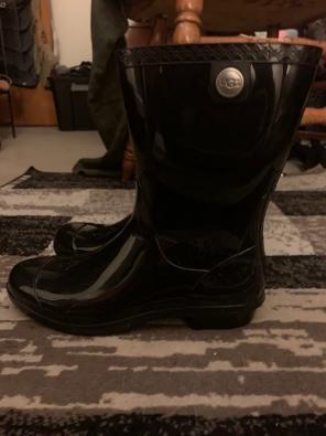 313190ea7df Shop New and Pre-owned UGG Australia Rain Boots