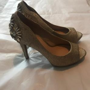 c46965ccce478 Shop New and Pre-owned Gianni Bini Platform Pumps