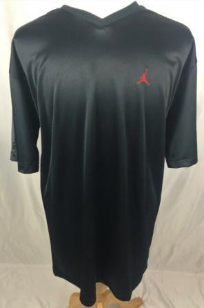 dfc1b6a467e6 Shop New and Pre-owned Nike V-Neck T-Shirts for Men