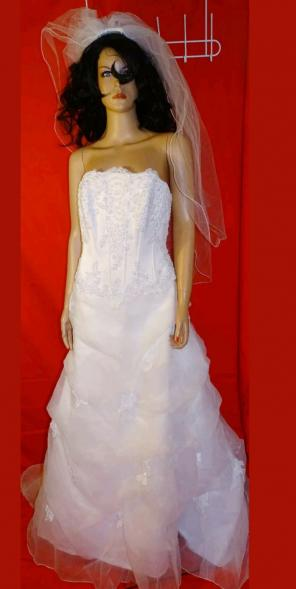 b1d1f78eb790 Shop New and Pre-owned David s Bridal Fitted Bodice Dresses