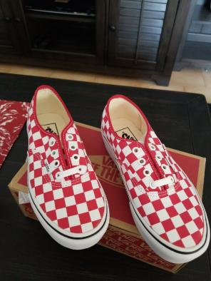 7eca3c19150 Shop New and Pre-owned VANS Summer Shoes