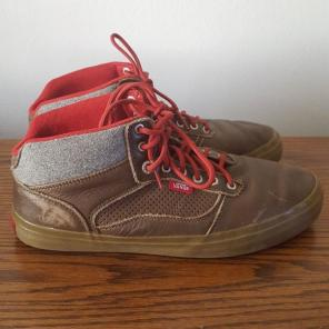5b66327a70 Shop New and Pre-owned VANS Gum Sole Shoes for Men