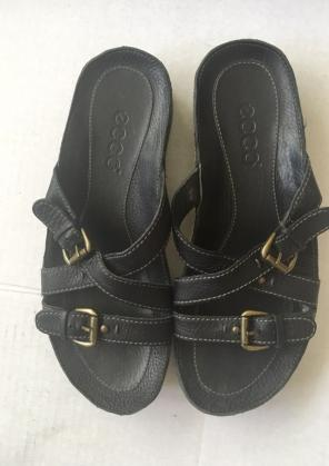 082f025397a5 Shop New and Pre-owned Ecco Leather Sandals