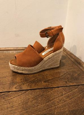 5e07b33907a Shop New and Pre-owned Steve Madden Platform Wedge Sandals