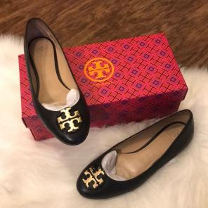 121e1f1ba8e Shop New and Pre-owned Tory Burch Tumbled Leather Flats