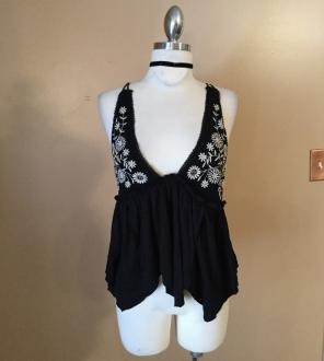 f2f92f2c29a225 Shop New and Pre-owned Ecote Crop Tank Tops   Camisoles