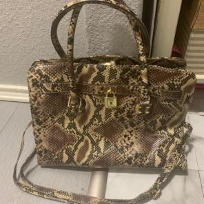 5e2c1819d92 Shop New and Pre-owned ALDO Leather Handbags