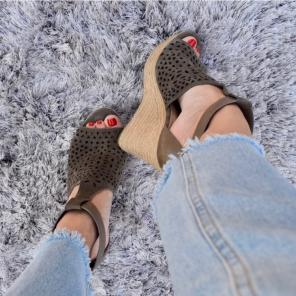 90ddd959f0c7 Shop New and Pre-owned Marc Fisher Espadrille Sandals