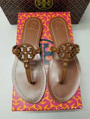b2334f553 Shop New and Pre-owned Tory Burch Thong Sandals